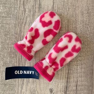 Old Navy Baby Girl Pink Fleece Mittens, 0-3 Months